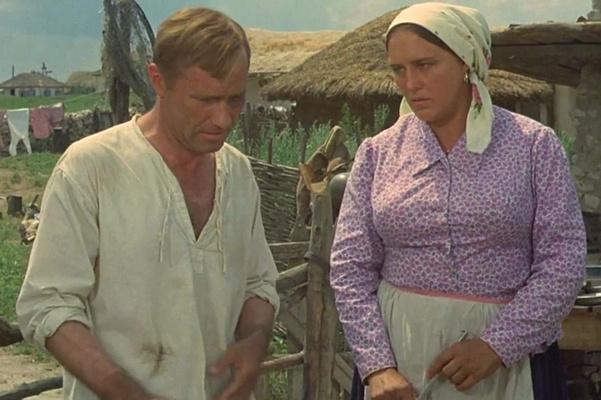 Василий Шукшин и Нонна Мордюкова на съемках «Они сражались за Родину»