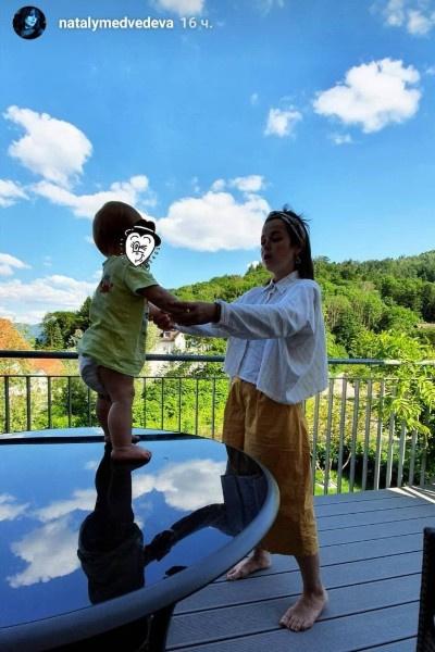 Наталия Медведева показала младшего ребенка