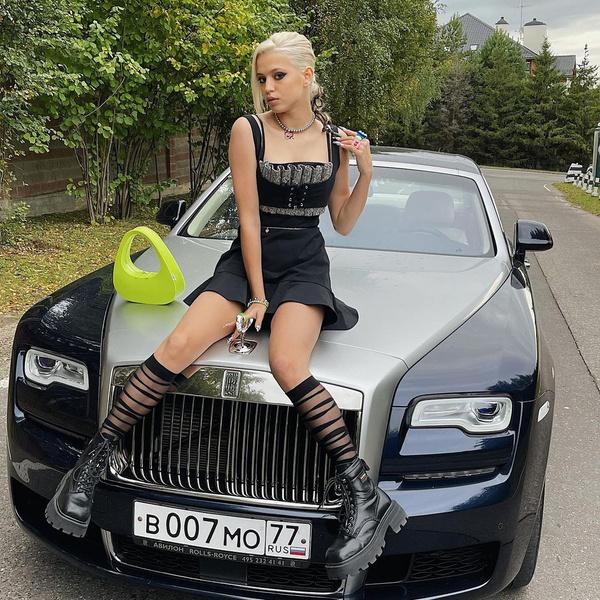 Юлия выбрала одну из самых роскошных иномарок в мире.