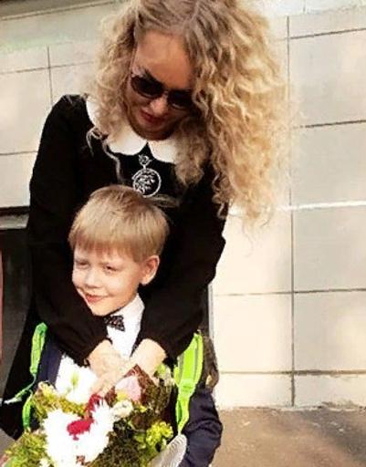 Мария Малиновская с сыном Мироном
