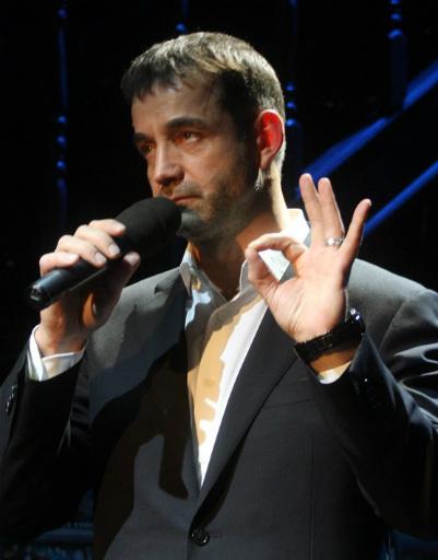Дмитрий Певцов исполнил песню для любимой жены