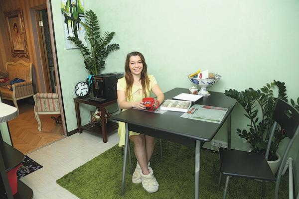 Кухня – любимое место Ксении в доме. «Я обожаю готовить и провожу тут много времени», – говорит девушка