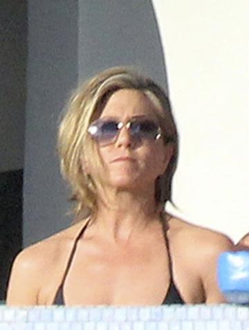 Дженнифер на отдыхе в Мексике в конце декабря...