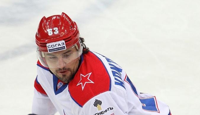 Избитый хоккеист Максим Кондратьев отказался от дочери, чтобы не платить алименты в 15 тысяч