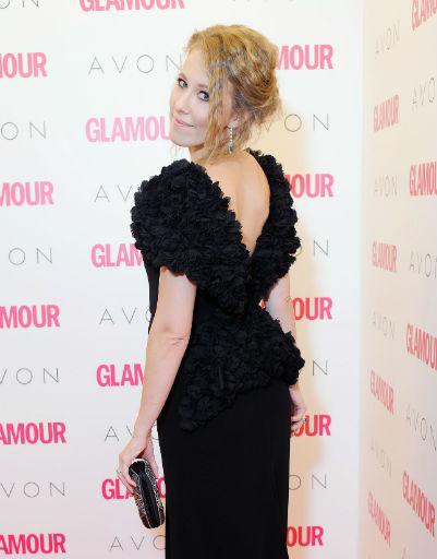 На премия «Женщина Года Glamour 2012» телеведущая появилась одна