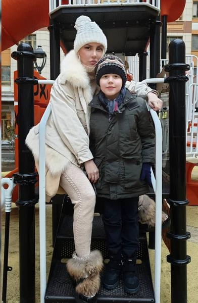 Малиновская воспитывает сына одна