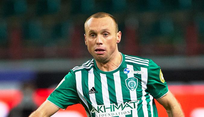 Денис Глушаков снова лишился работы