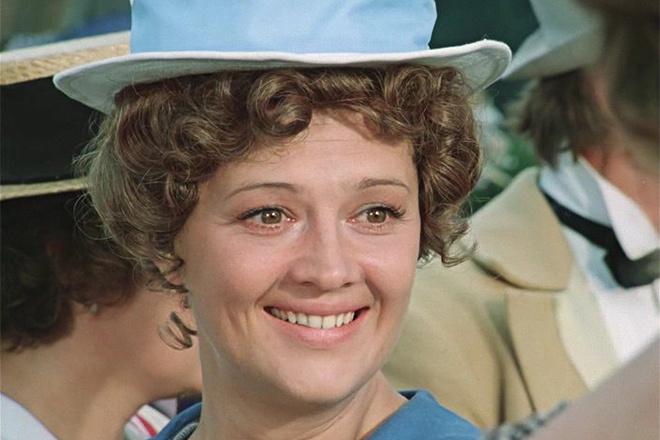 Алина Покровская снялась в нескольких фильмах, но в итоге сосредоточилась на карьере в театре