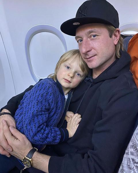 Плющенко активно тренирует сына