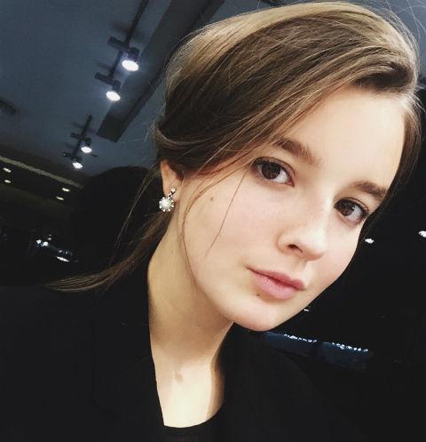 Александра Стриженова