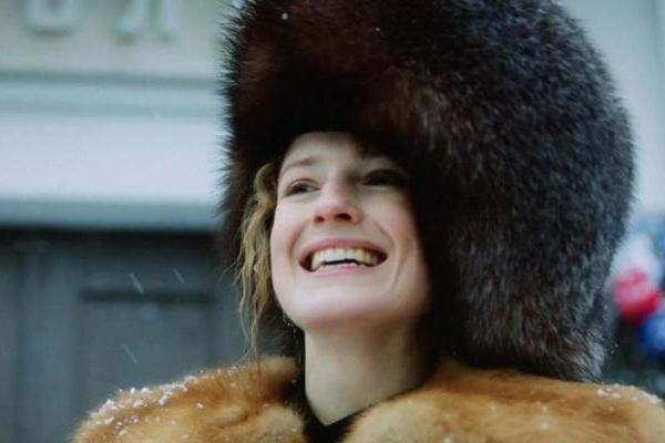 В зимнем эпизоде, как признается сама Софья, она еще была стройна.