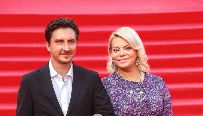 Яна Поплавская: «Не хочу из свадьбы делать обезьяний театр, как у Собчак и Волочковой»