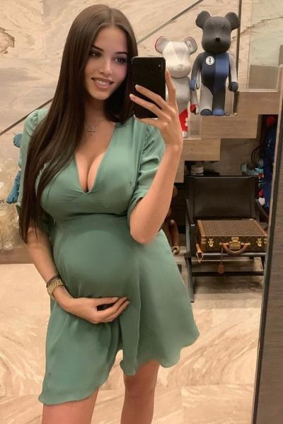 Анастасия Решетова ждет ребенка