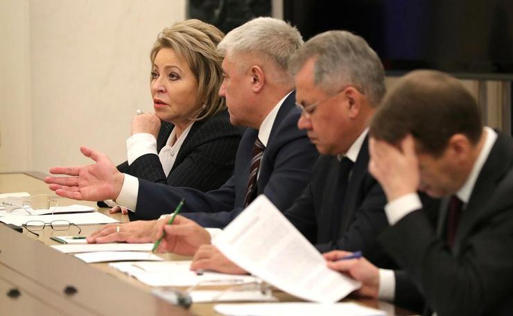 Матвиенко стала первой в истории России женщиной-спикером Сената