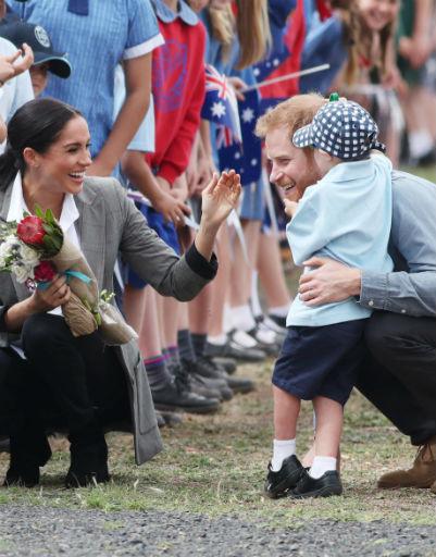 На фотографии Гарри и Меган с детьми можно смотреть бесконечно