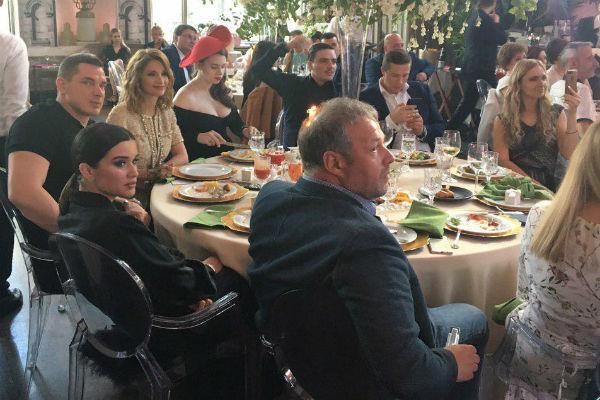 Ксения Бородина с мужем, Ольга Орлова, Александра Артемова и Евгений Кузин