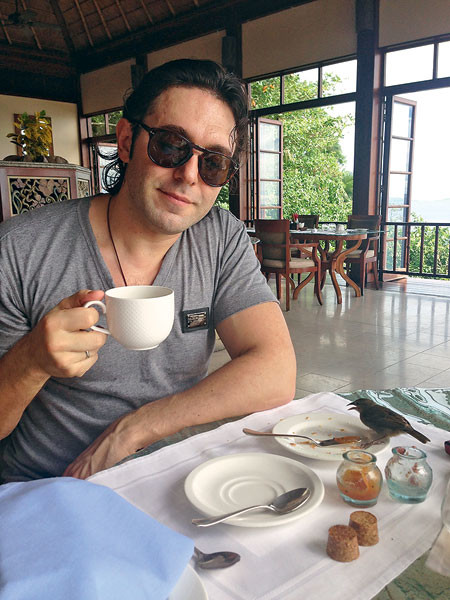 Без птичек в тарелках на Сейшелах не позавтракаешь