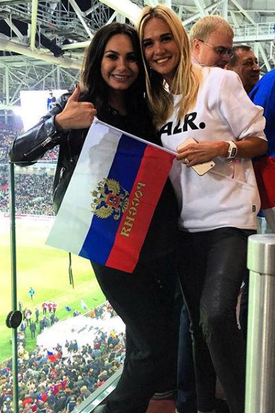 Беременность не мешает Инне посещать важные футбольные матчи с участием мужа