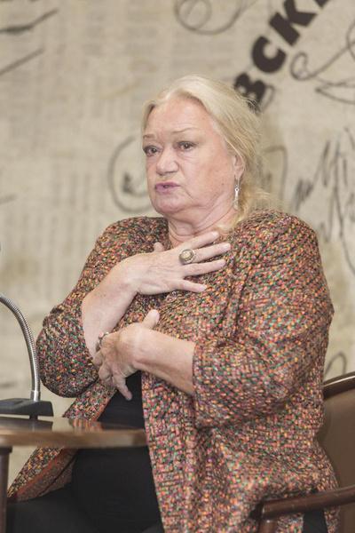 Людмиле Поляковой стало плохо на похоронах Бориса Клюева