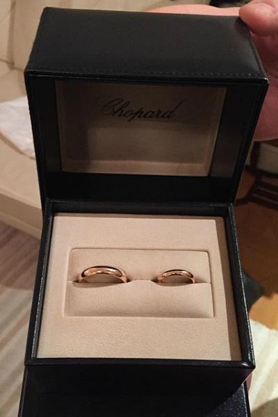 Молодожены выбрали обручальные кольца Chopard