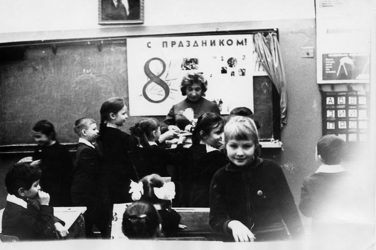 В школьные годы Рената Литвинова страдала от комплексов