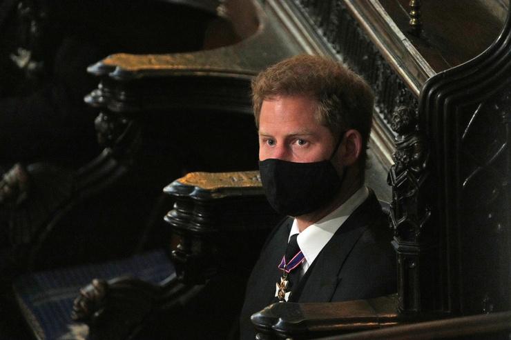 Принца Гарри не посадили рядом с Уильямом и Кейт