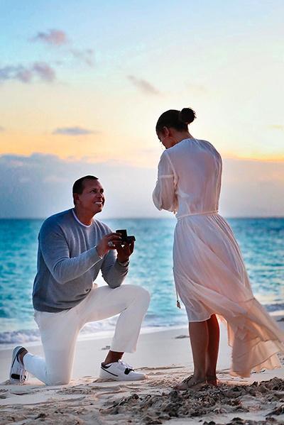 «И она сказала «да», — написал счастливый жених в соцсети