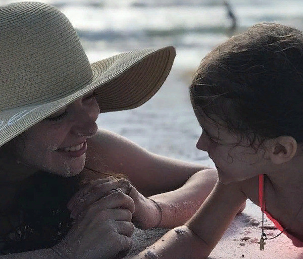 Александрова с дочерью