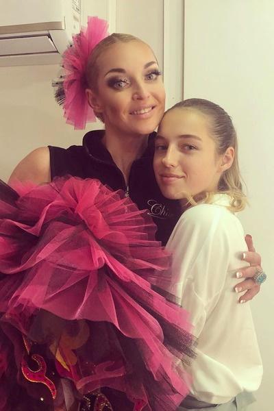 Балерина с дочерью Ариадной