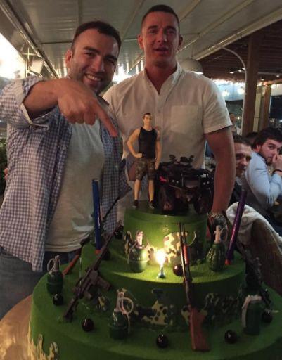 Торт именинника поразил воображение гостей