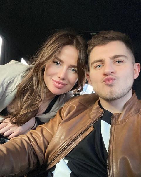 Алекса и Вячеслав встречаются менее месяца