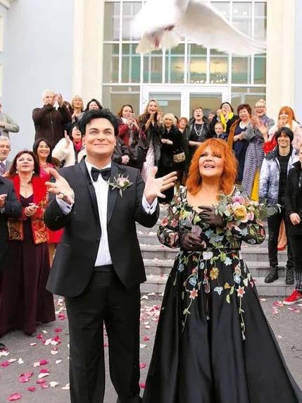 Пара поженилась в прошлом году