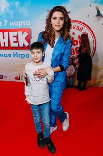 Блоггер Ирина Акопян с сыном