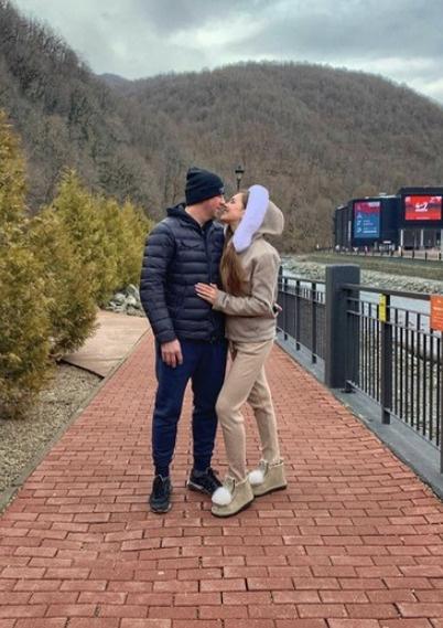 Аня Бузова с мужем