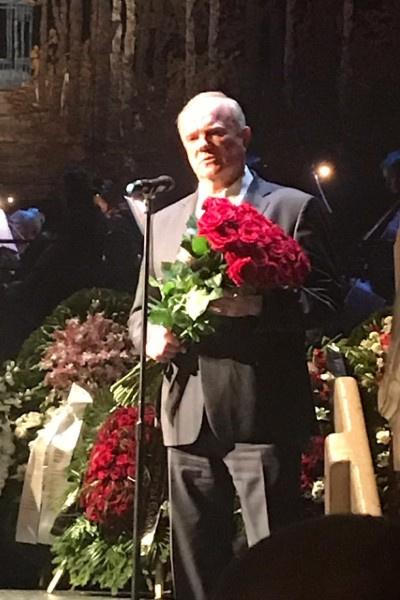 Геннадий Зюганов пришел на прощание