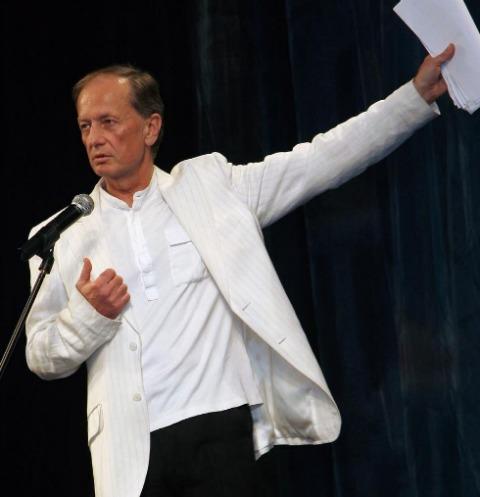 Больному раком Михаилу Задорнову предлагают помощь экстрасенсы