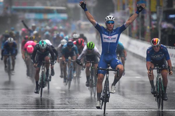 23-летнего велогонщика Фабио Якобсена ввели в кому